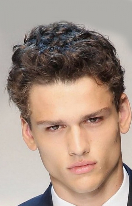 wavey-longer-top-hairstyle-for-men
