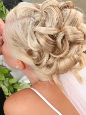 hair-updos-for-prom11