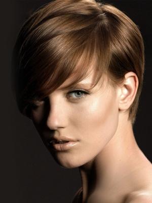dark-hair-short-ladies-hair-style-cut-trends-20141