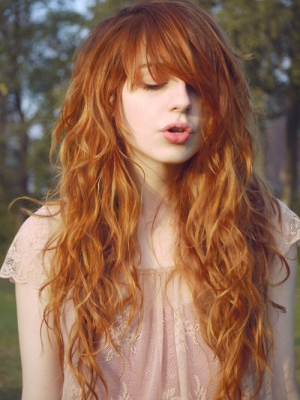 wavy-hairstyles-for-long-hair-with-bangs-20141