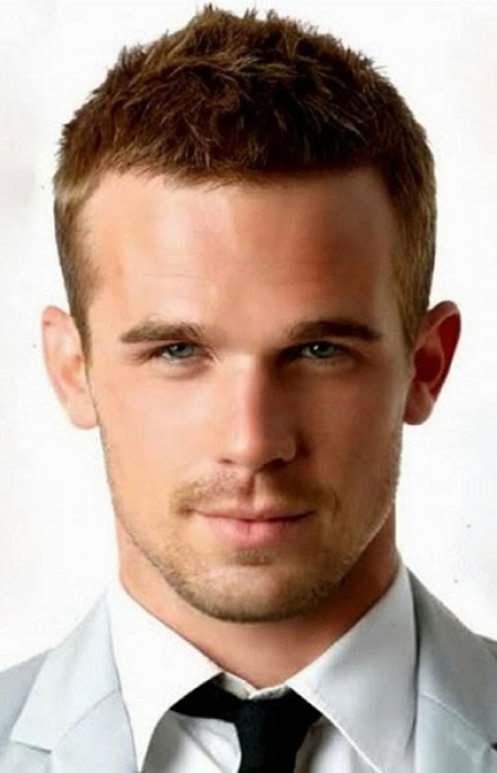 short-cropped-textured-mens-hairstyle