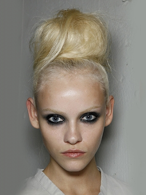 windswept-updos-ladies-hair-style-salon-images