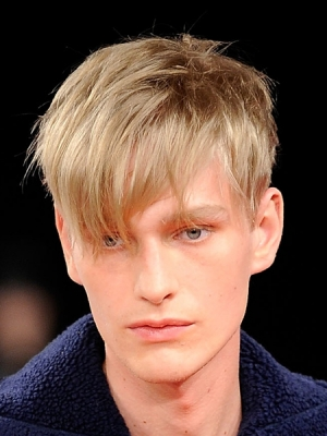 2014-hair-fashions-mens-trendy-hair-style-long-fringe-haircut1
